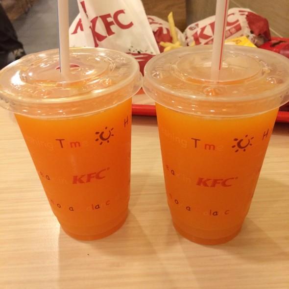 果汁杯子可爱简笔画