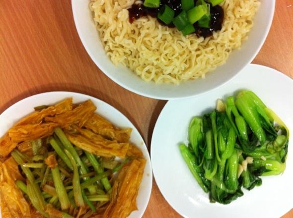 清炒小白菜 腐竹芹菜