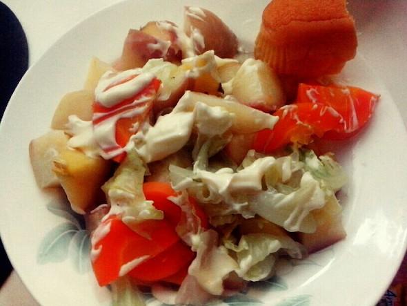 营养蔬菜水果沙拉