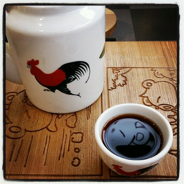 公鸡茶壶和茶杯