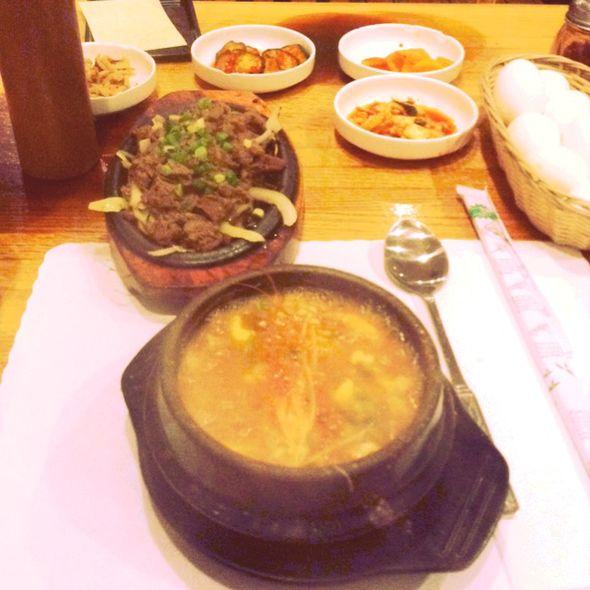 烤牛肉+海鲜豆腐锅(还有可以加的蛋)