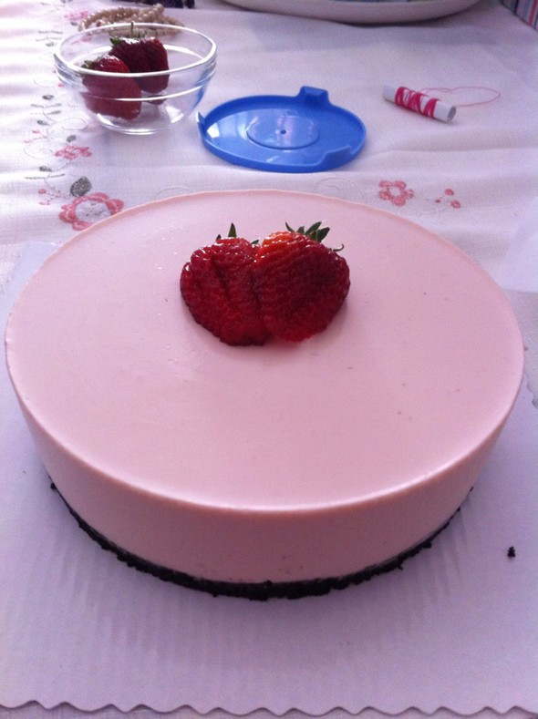 草莓冻芝士蛋糕_放风筝的王小强的美食日记