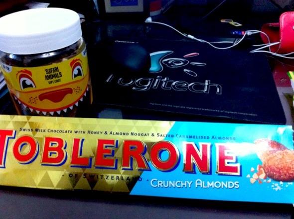 三角巧克力和小动物橡皮糖