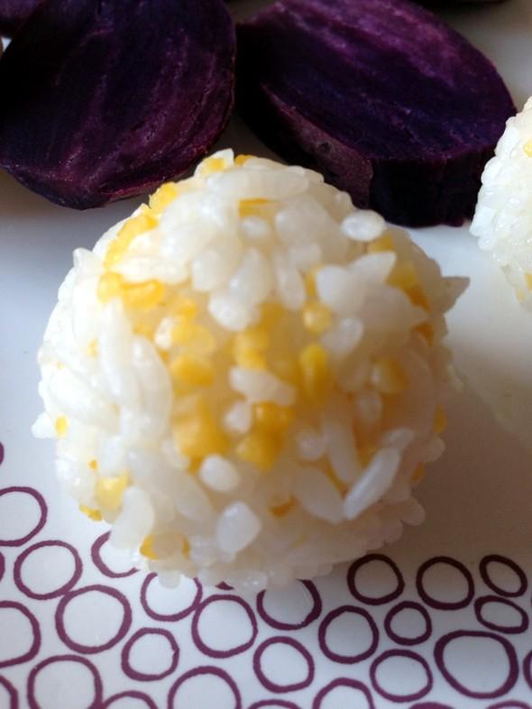 玉米茬大米饭团