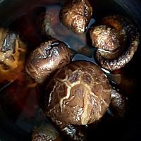 花菇已经发好,准备晚饭复刻花菇酿了