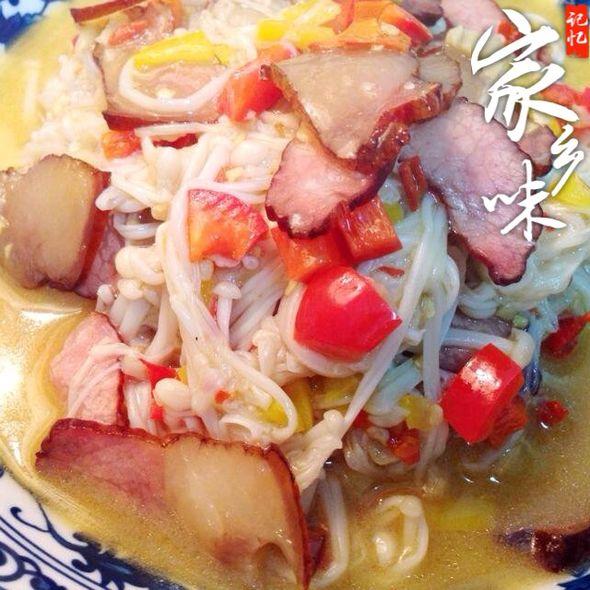 腊肉炒金针菇