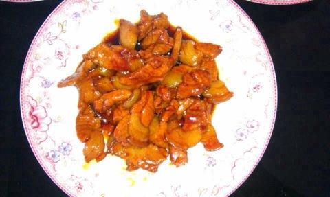 一桌子的菜,红烧肉特别好吃 呀 土豆儿的美食日记 豆果美食
