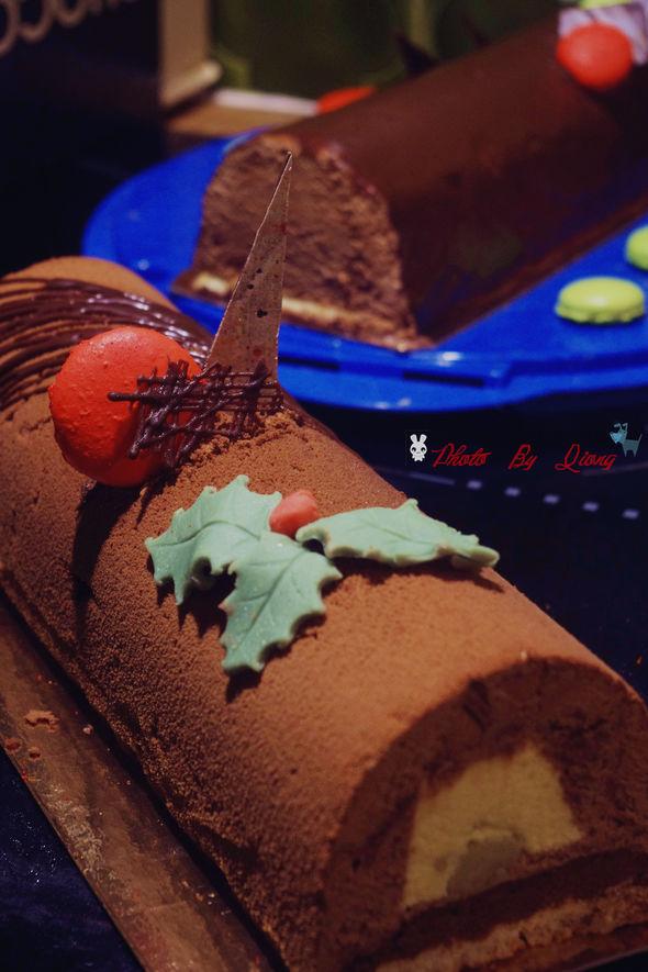 树桩蛋糕a 再补一个圣诞节做的树桩蛋糕.