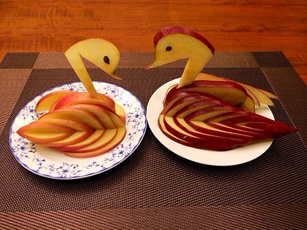 """teresa孟的""""苹果天鹅""""手把手教你拼盘装饰!做法的学习成果照_豆果美食"""