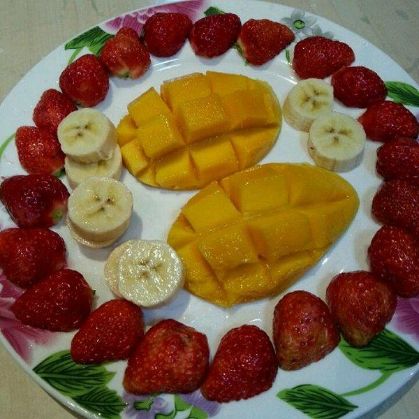 色彩斑斓的清晨的简单水果拼盘做法的学习成果照