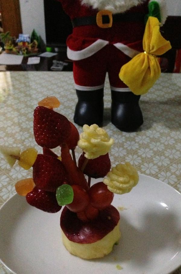 「hh」m做的水果圣诞树的做法