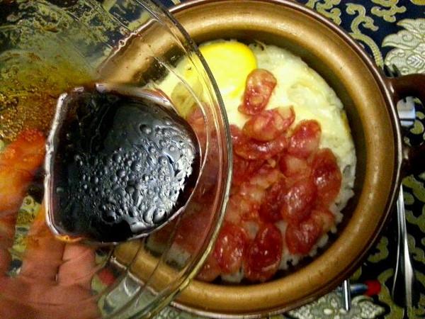 gigitse做的腊味双蒸煲仔饭配盐水菜心的做法
