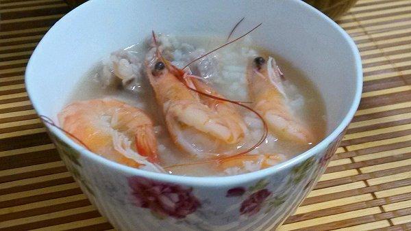 鲜虾沙锅粥的做法