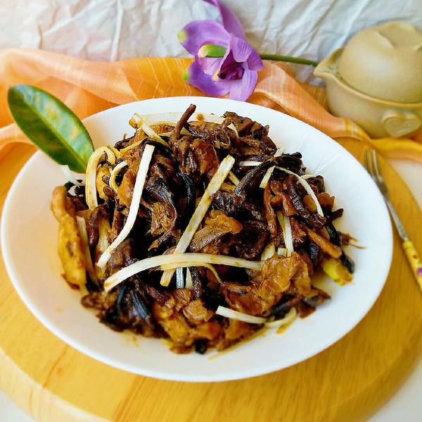 榛蘑 竹笋肉片的做法