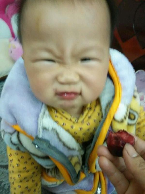 早攴后给你吃点水果,你这样的表情到底是好吃还是不图片图片