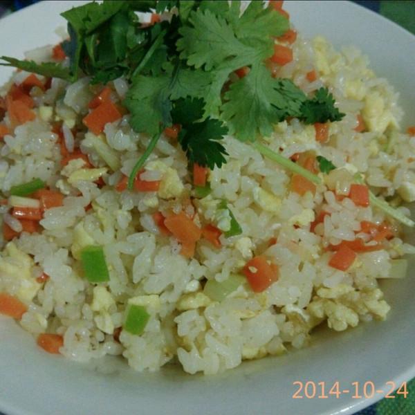 鸡蛋炒饭的做法