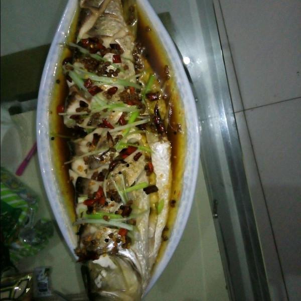 家有美女帅哥做的清蒸草鱼的做法