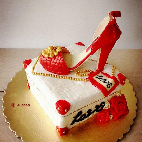 红色高跟鞋翻糖蛋糕