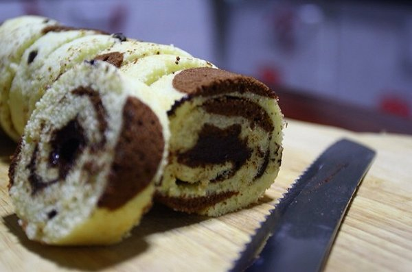 波点可可蛋糕卷的做法
