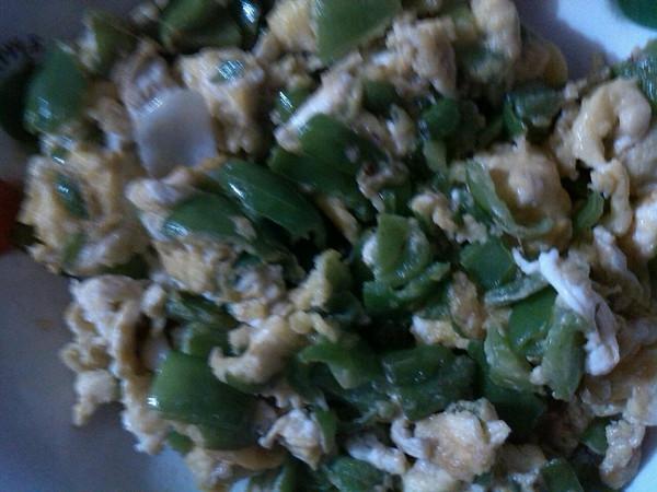 尖椒炒鸭蛋的做法