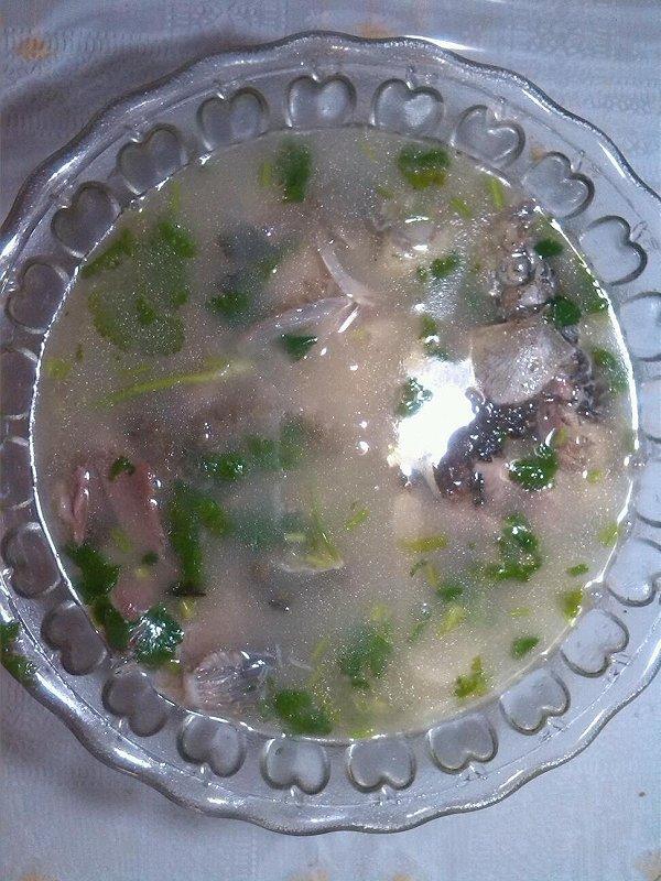 家常奶白鲫鱼汤的做法