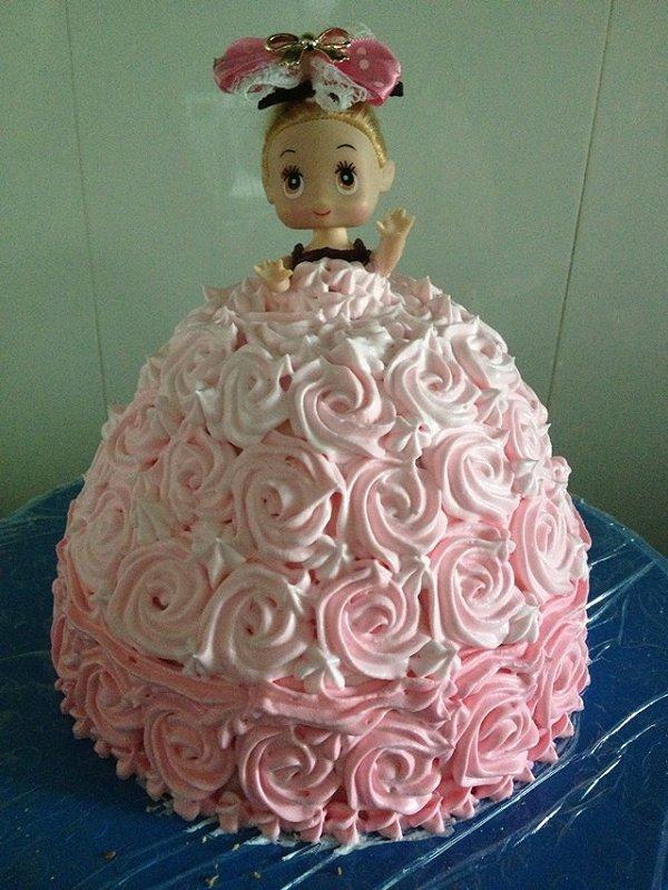 芭比娃娃蛋糕的做法