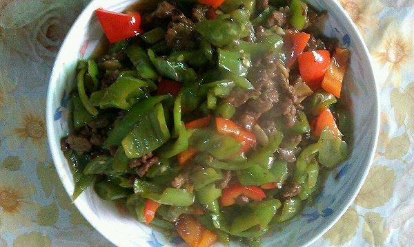 蚝油青椒牛肉丁的做法