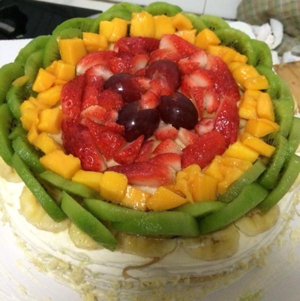 木子做的奶油水果蛋糕的做法