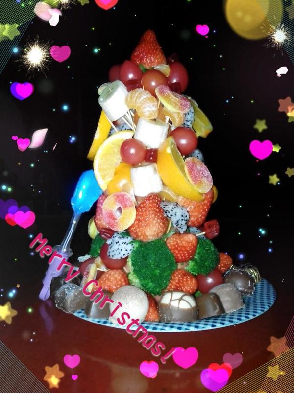 卡昂宝贝做的水果圣诞树的做法
