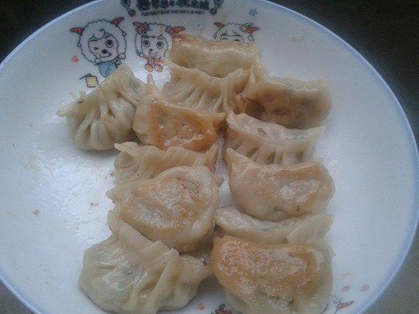 泡菜煎饺的做法