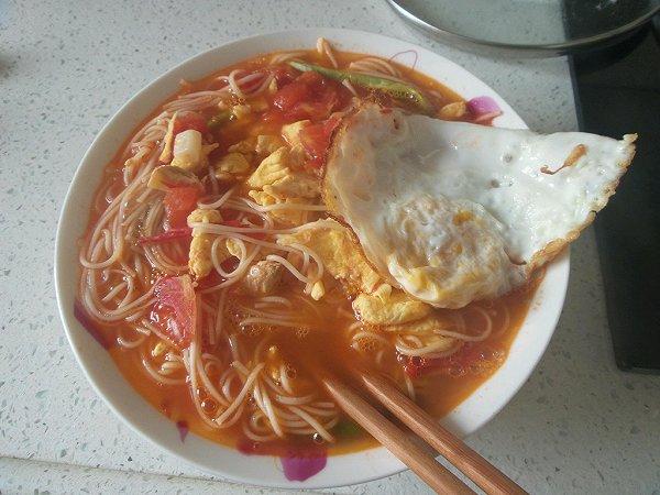 简易营养早餐——西红柿鸡蛋面的做法