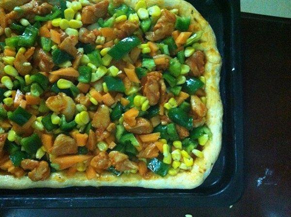新奥尔良烤鸡肉披萨的做法