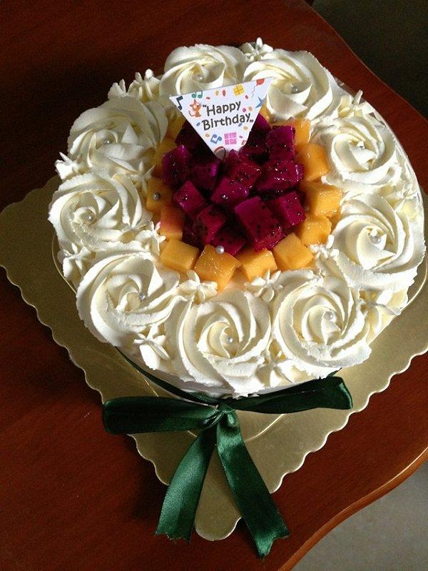 果妈0820做的水果奶油蛋糕的做法图片