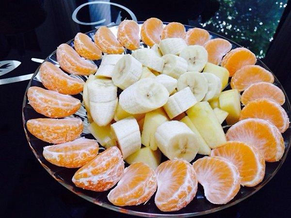 苹果石榴水果拼盘