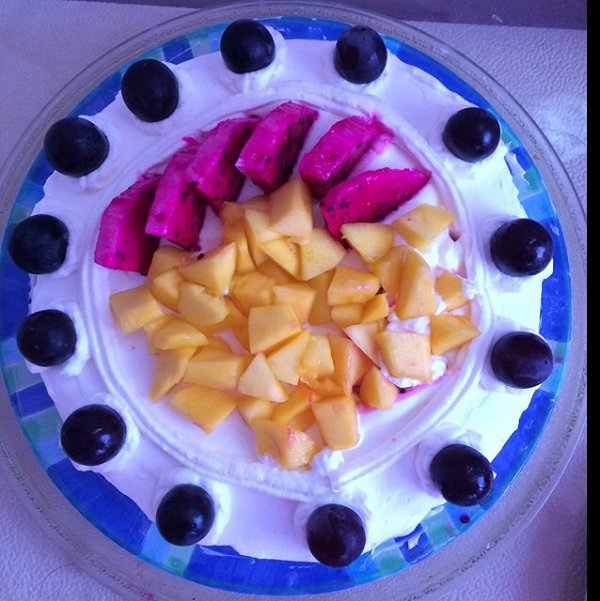 会飞的气球做的水果奶油蛋糕的做法