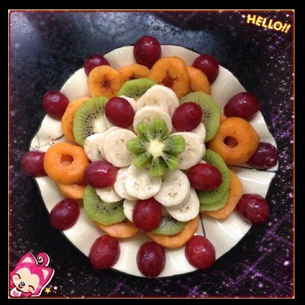 昕哥妈妈做的水果拼盘的做法