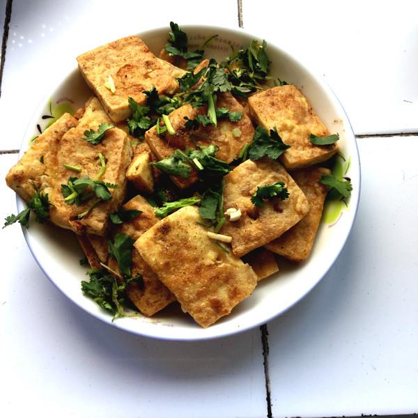 油炸豆腐的家常做法_油炸臭豆腐的做法