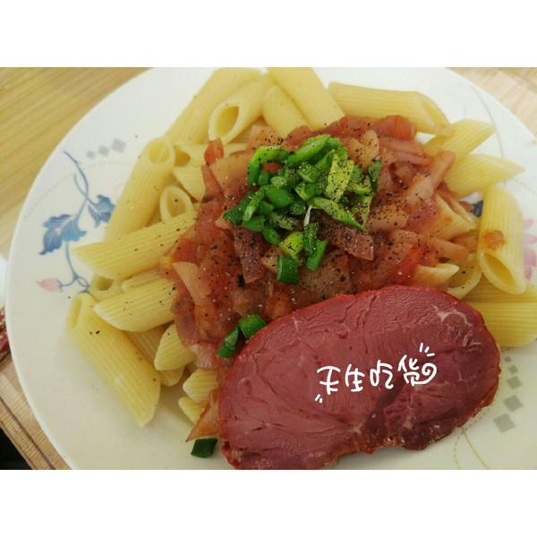 番茄意面配酱牛肉的做法