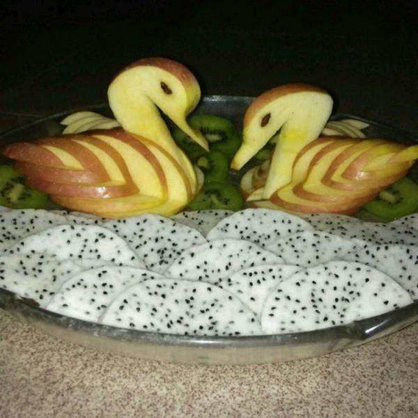 """新任的""""苹果天鹅""""手把手教你拼盘装饰!"""