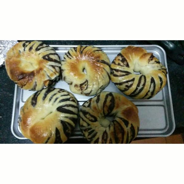 豆沙环形面包的做法