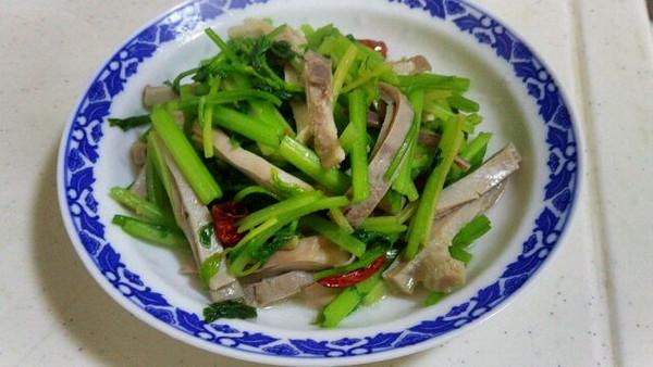 weiweimi的芹菜炒猪肚做法的学习成果照