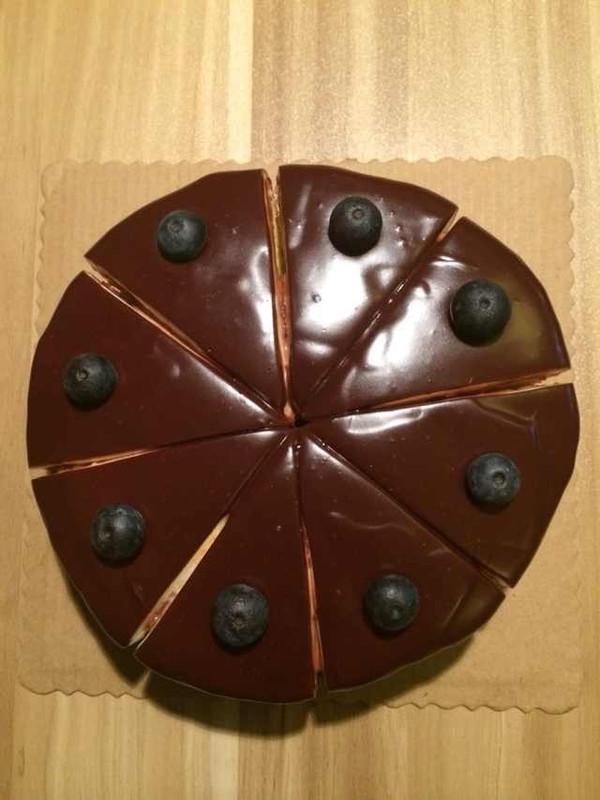 淋酱巧克力蛋糕的做法