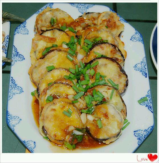 """特色川菜——鱼香茄饼""""过江""""的做法"""