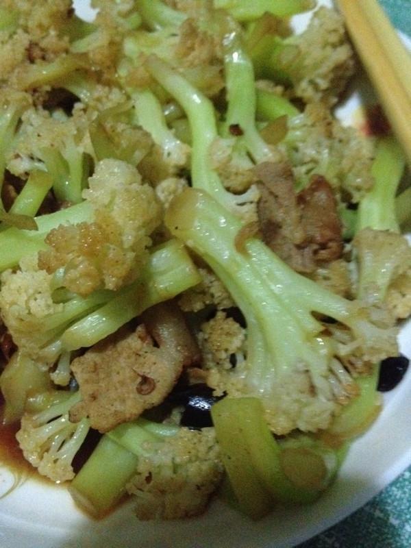 超好吃的肉炒有机菜花的做法