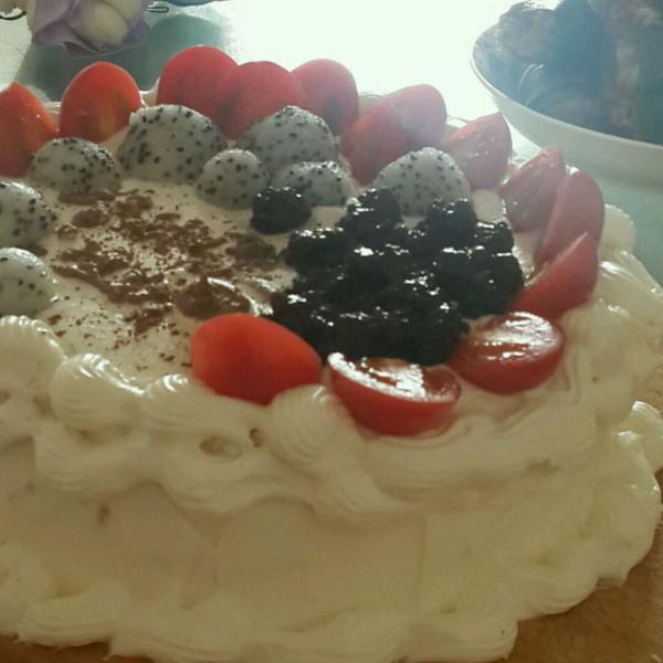 班长2的 乳脂动物奶油水果生日蛋糕 奶油裱花