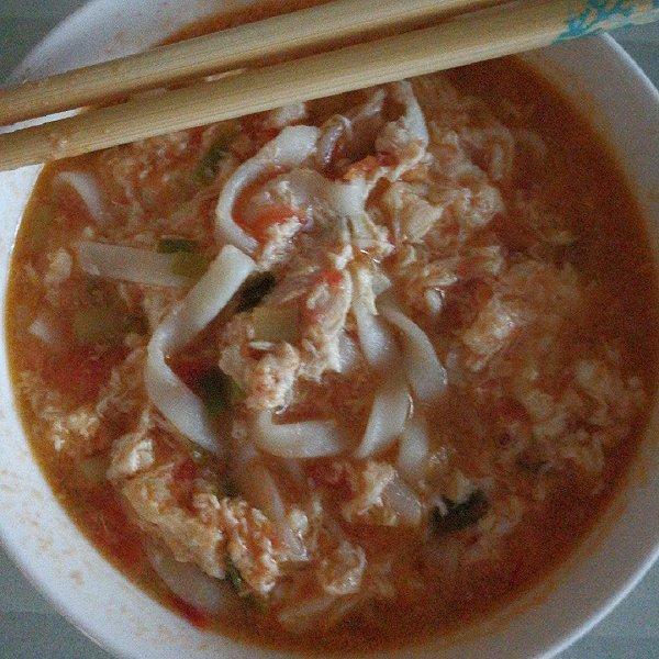 西红柿鸡汤面的做法