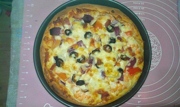 培根虾仁披萨的做法