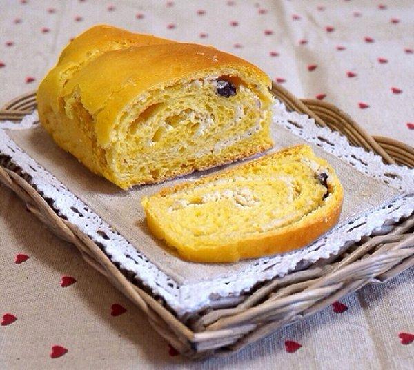 默默扒猪皮做的南瓜奶酪面包卷的做法_豆果美食