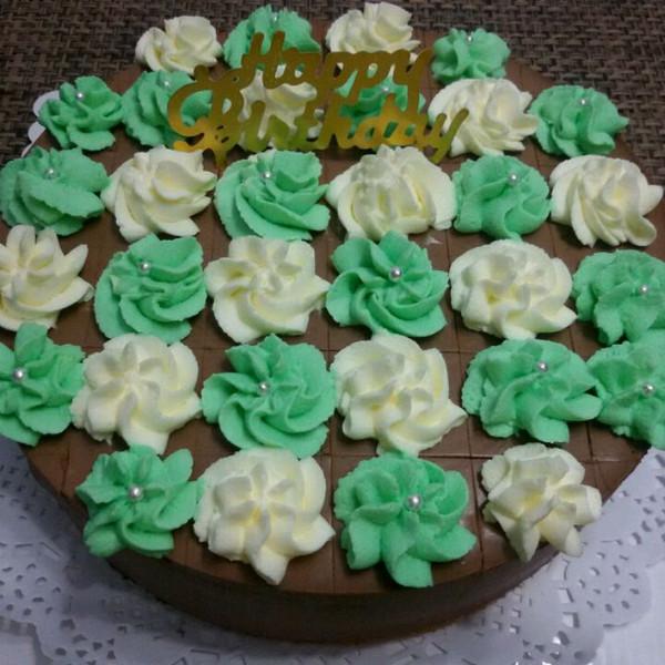 手绘巧克力棒棒糖蛋糕