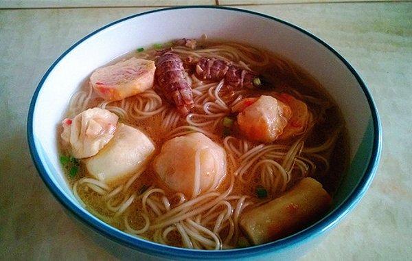 芊蔚2014做的温州鱼丸面的做法